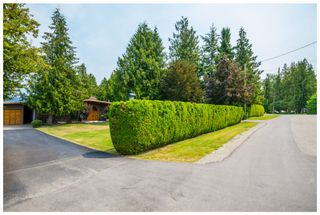 Photo 2: 689 Viel Road in Sorrento: Lakefront House for sale : MLS®# 10102875