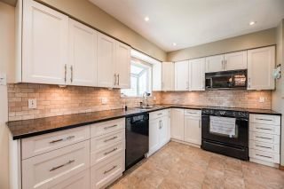 "Photo 8: 14519 SATURNA Drive: White Rock House for sale in ""West White Rock"" (South Surrey White Rock)  : MLS®# R2564387"