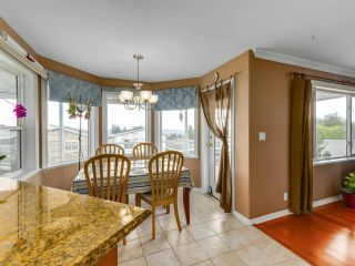 Photo 8: 1124 DANSEY Avenue in Coquitlam: Central Coquitlam House for sale : MLS®# R2589636