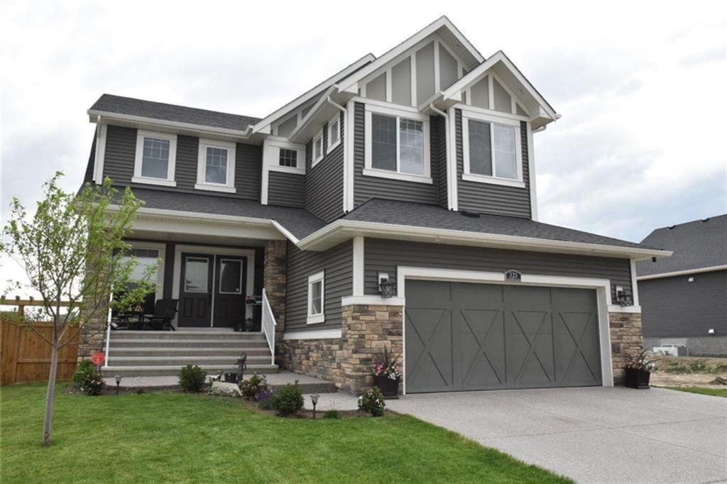 Main Photo: 321 aspenmere Way: Chestermere Detached for sale : MLS®# A1117906