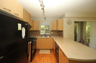 """Photo 8: 302 2966 SILVER SPRINGS BLV Boulevard in Coquitlam: Westwood Plateau Condo for sale in """"TAMARISK"""" : MLS®# R2171293"""