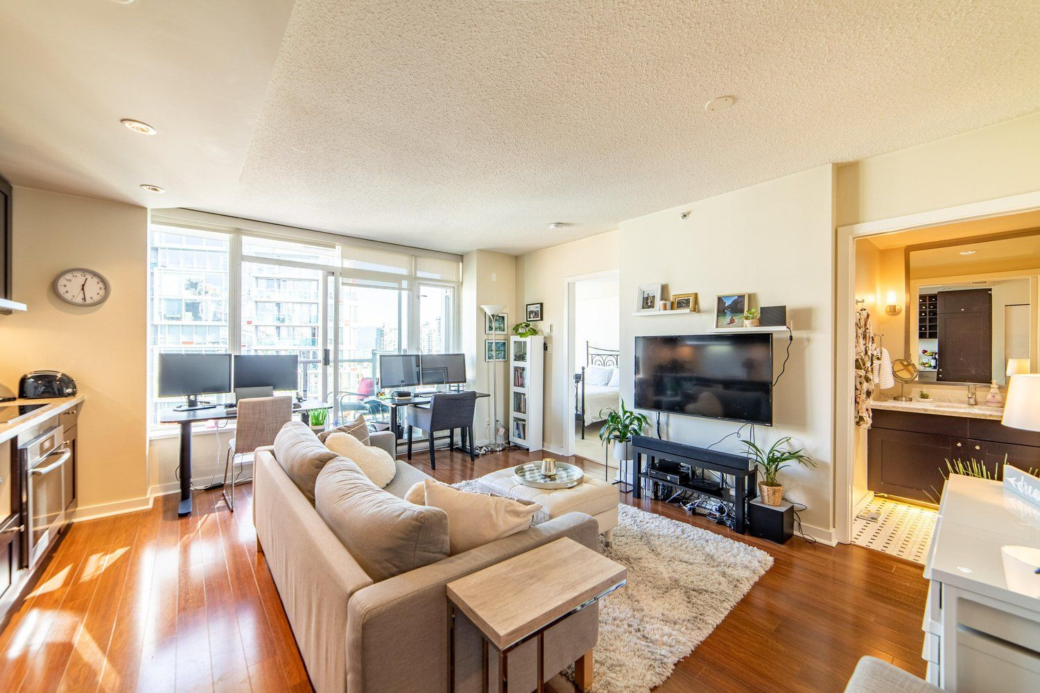 """Main Photo: 2003 821 CAMBIE Street in Vancouver: Downtown VW Condo for sale in """"Raffles on Robson"""" (Vancouver West)  : MLS®# R2512191"""