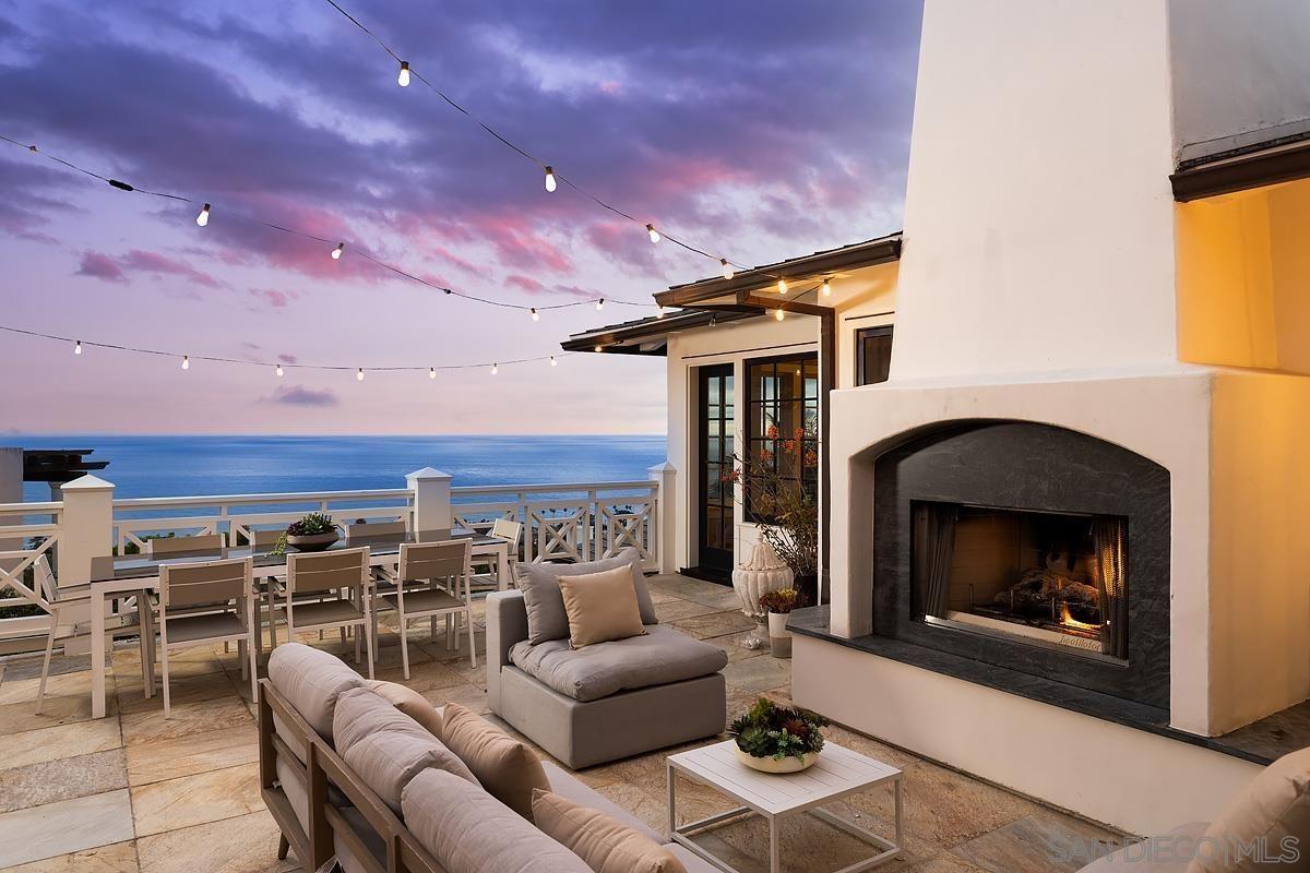 Main Photo: LA JOLLA House for sale : 6 bedrooms : 935 Havenhurst Drive