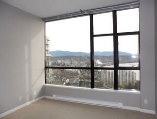 """Photo 13: 2003 11 E ROYAL Avenue in New Westminster: Fraserview NW Condo for sale in """"VICTORIA HILL HIGHRISE RESIDENCES"""" : MLS®# R2045382"""