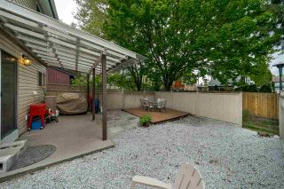 """Photo 9: 978 BIRCHBROOK Place in Coquitlam: Meadow Brook 1/2 Duplex for sale in """"MEADOWBROOK"""" : MLS®# R2402424"""