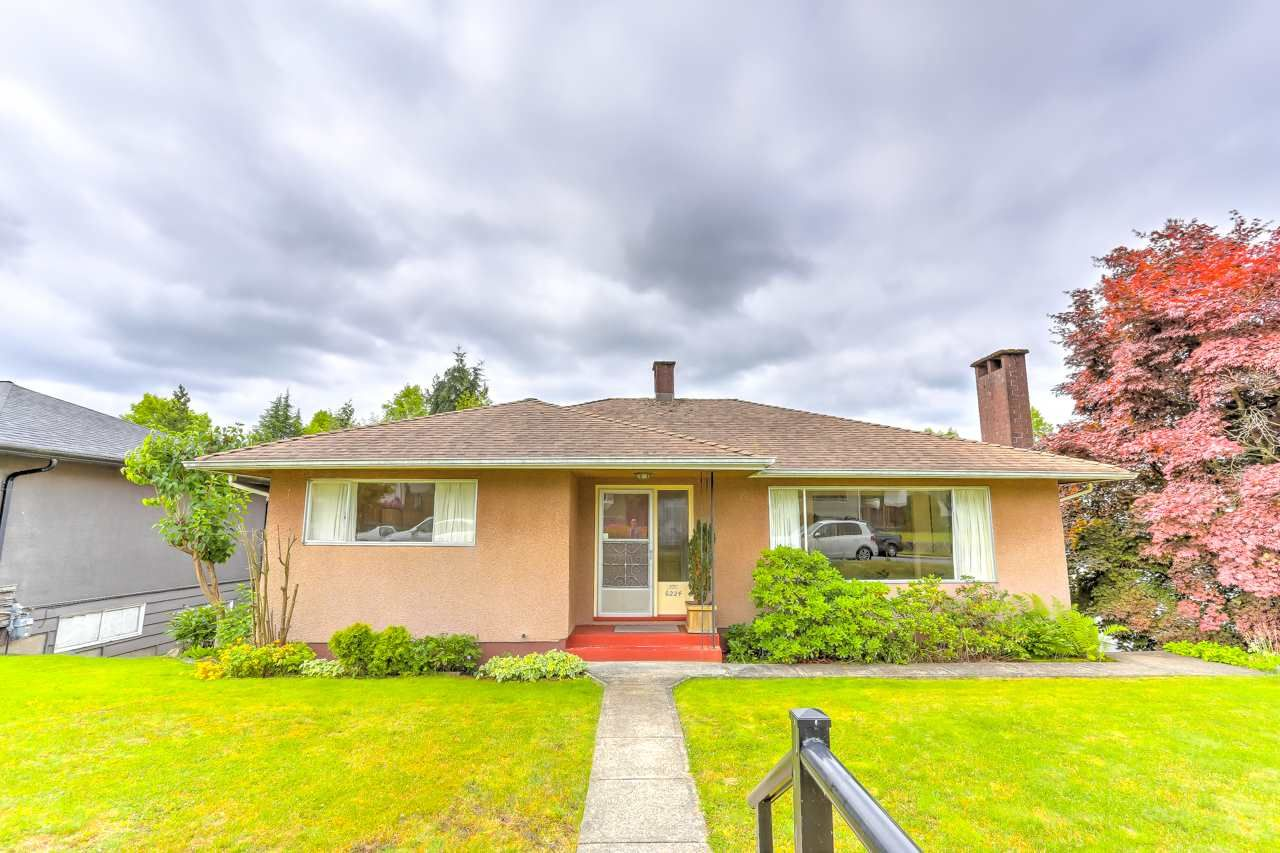 Main Photo: 6224 DAWSON Street in Burnaby: Parkcrest House for sale (Burnaby North)  : MLS®# R2475381