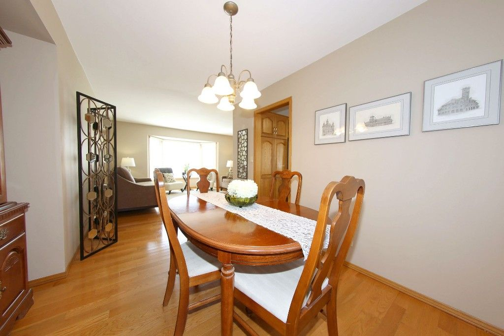 Photo 8: Photos: 123 Hunterspoint Road in Winnipeg: Charleswood Single Family Detached for sale (1G)  : MLS®# 1707500