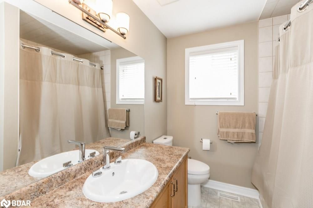 Photo 9: Photos: 28 KRAUS Road in Barrie: House for sale
