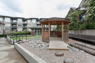 """Photo 4: 204 6706 192 Diversion in Surrey: Clayton Townhouse for sale in """"One92"""" (Cloverdale)  : MLS®# R2070967"""