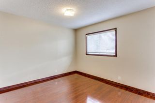 Photo 11: 2510 26 Street SE in Calgary: Southview Detached for sale : MLS®# A1105105