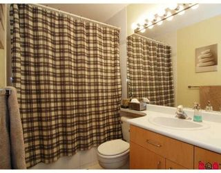 Photo 9: #312 19750 64th Ave in Langley: Condo for sale : MLS®# F2800657