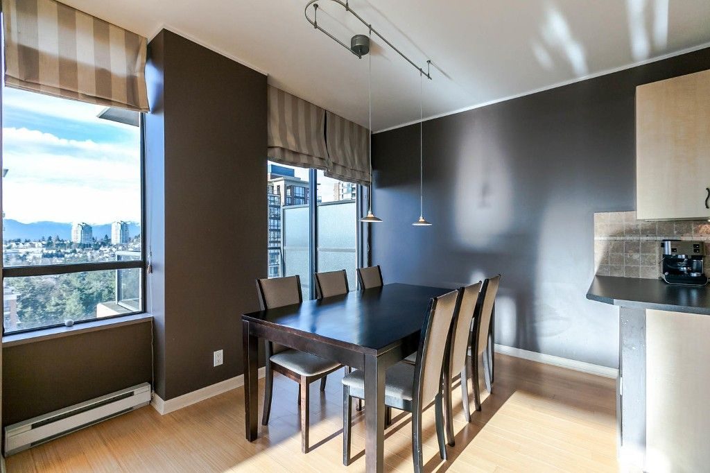 """Photo 9: Photos: 1903 7368 SANDBORNE Avenue in Burnaby: South Slope Condo for sale in """"MAYFAIR PLACE I"""" (Burnaby South)  : MLS®# R2140930"""