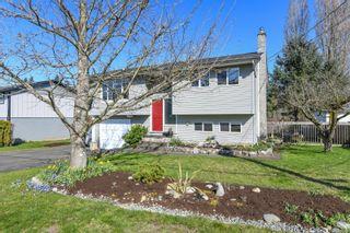 Photo 1: 640 Nootka St in : CV Comox (Town of) House for sale (Comox Valley)  : MLS®# 871239