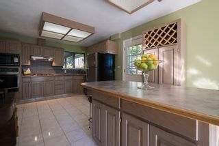 Photo 2: 10 SYMMES Bay in Port Moody: Barber Street House for sale : MLS®# R2095986
