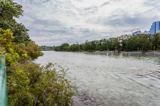 Photo 11: 726 1 Avenue NW in Calgary: Sunnyside Detached for sale : MLS®# A1077266