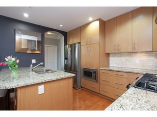 """Photo 13: 208 16421 64 Avenue in Surrey: Cloverdale BC Condo for sale in """"St. Andrews at Northview"""" (Cloverdale)  : MLS®# R2041452"""