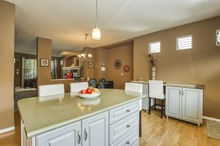 """Photo 16: 18468 66A Avenue in Surrey: Cloverdale BC House for sale in """"HEARTLAND"""" (Cloverdale)  : MLS®# R2476706"""
