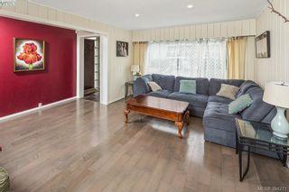 Photo 2: 626 Constance Ave in VICTORIA: Es Esquimalt House for sale (Esquimalt)  : MLS®# 790433
