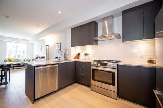 """Photo 12: 8530 OSLER Street in Vancouver: Marpole Townhouse for sale in """"Osler Residences"""" (Vancouver West)  : MLS®# R2558334"""