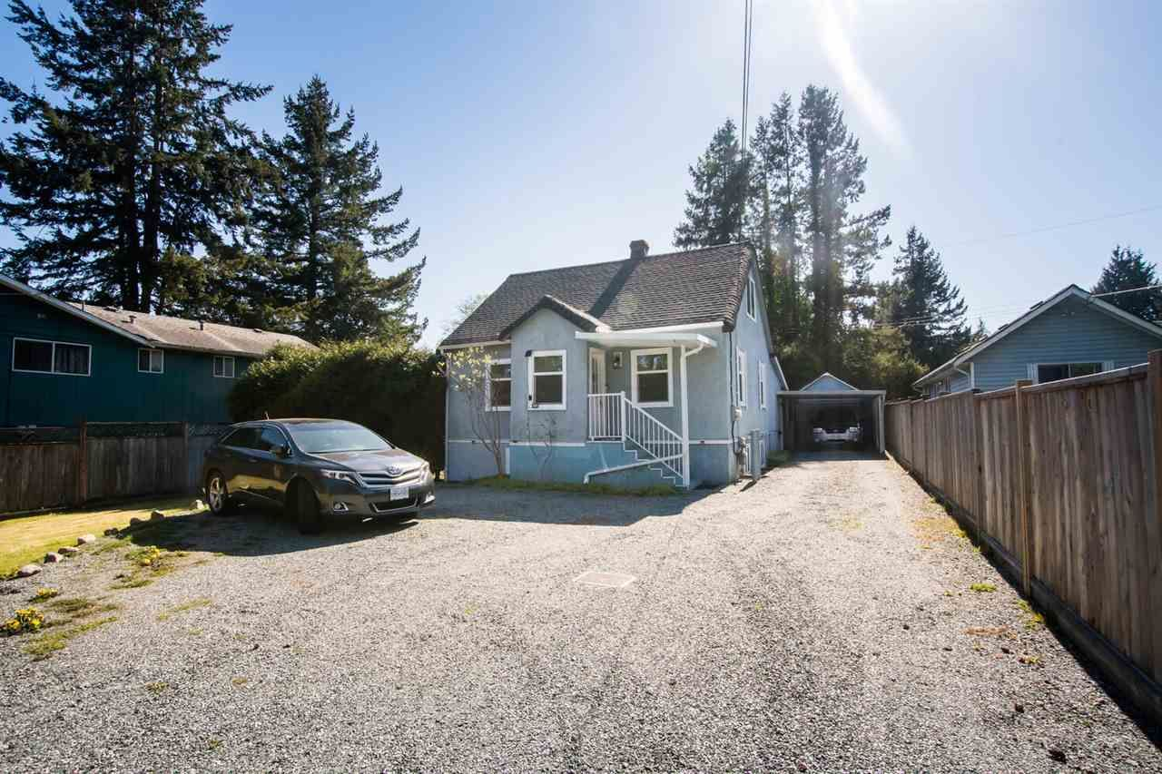 Main Photo: 1941 KING GEORGE Boulevard in Surrey: King George Corridor House for sale (South Surrey White Rock)  : MLS®# R2563362