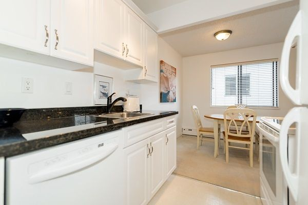 Photo 6: Photos: 303 2935 SPRUCE Street in Vancouver: Fairview VW Condo for sale (Vancouver West)  : MLS®# R2131963
