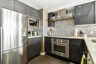 """Photo 15: 1902 1228 MARINASIDE Crescent in Vancouver: Yaletown Condo for sale in """"Crestmark II"""" (Vancouver West)  : MLS®# R2582919"""