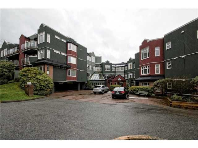 "Main Photo: 307 121 W 29TH Street in North Vancouver: Upper Lonsdale Condo for sale in ""SOMERSET GREEN"" : MLS®# V1054924"