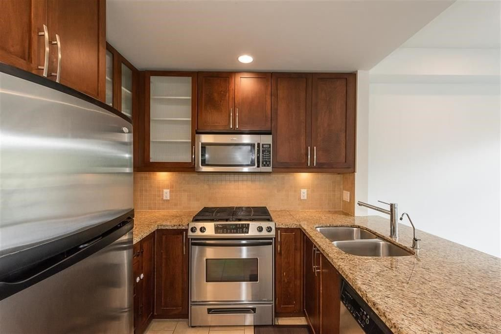 """Photo 8: Photos: 9 307 E 15TH Street in North Vancouver: Central Lonsdale Townhouse for sale in """"AVONDALE"""" : MLS®# R2477092"""