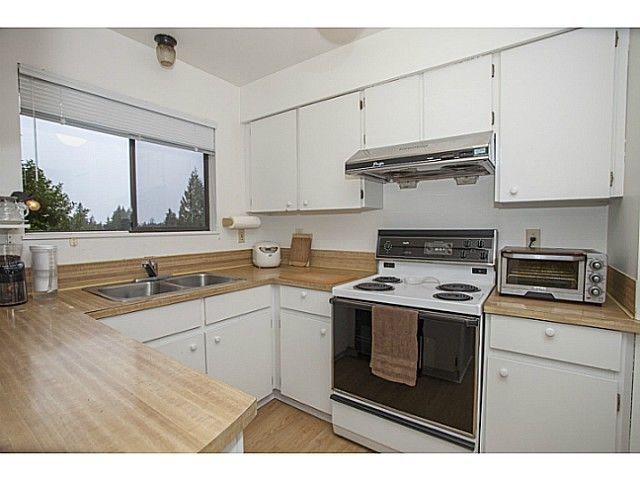 Photo 7: Photos: 1719 PETERS Road in North Vancouver: Lynn Valley House for sale : MLS®# V1105416