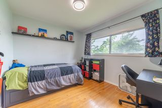 Photo 11: 2820 GRANT Crescent SW in Calgary: Glenbrook Detached for sale : MLS®# A1118320