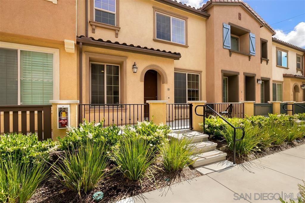 Main Photo: SAN DIEGO Condo for sale : 3 bedrooms : 1790 Saltaire Pl #17