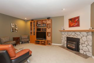 """Photo 10: 6167 W BOUNDARY Drive in Surrey: Panorama Ridge Townhouse for sale in """"LAKEWOOD GARDENS IN BOUNDARY PARK"""" : MLS®# R2133410"""