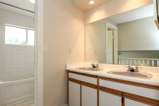Photo 12: 2 1195 FALCON Drive in Coquitlam: Eagle Ridge CQ Townhouse for sale : MLS®# R2094331