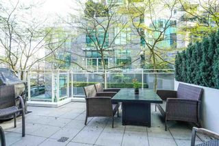 """Photo 17: 104 1139 W CORDOVA Street in Vancouver: Coal Harbour Townhouse for sale in """"HARBOUR GREEN TWO"""" (Vancouver West)  : MLS®# R2582244"""