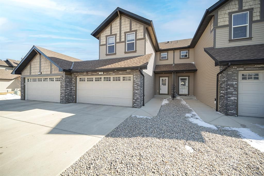 Main Photo: 146 100 Coopers Common SW: Airdrie Row/Townhouse for sale : MLS®# A1089244