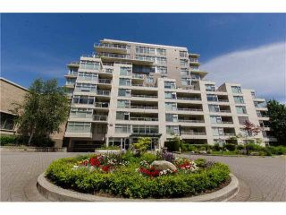 Main Photo: 207 9288 UNIVERSITY Crescent in Burnaby: Simon Fraser Univer. Condo for sale (Burnaby North)  : MLS®# R2499939