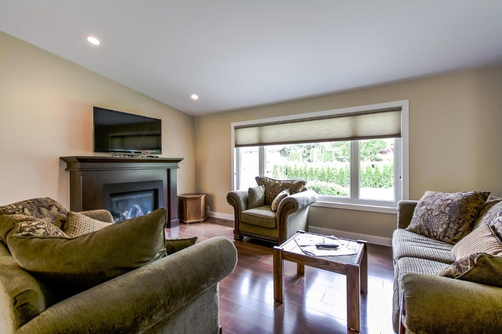 Photo 9: Photos: 4369 200a Street in Langley: Brookswood House for sale : MLS®# R2068522