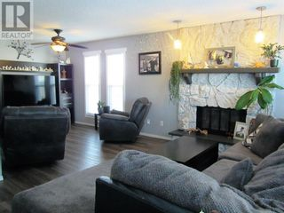 Photo 4: 10920 114 Street in Fairview: House for sale : MLS®# A1084319