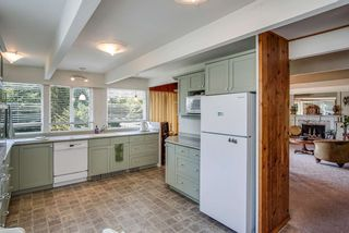 Photo 5: 474 MONTROYAL Boulevard in North Vancouver: Upper Delbrook House for sale : MLS®# R2481315