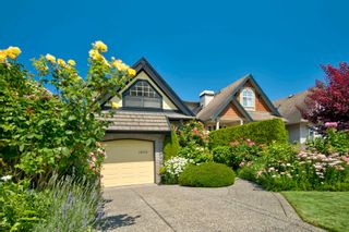 Photo 2: 15473 THRIFT Avenue: White Rock House for sale (South Surrey White Rock)  : MLS®# R2599524
