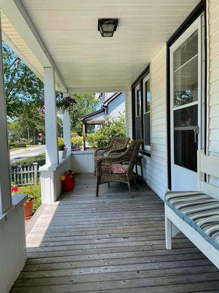 Photo 3: 196 Mowatt Street in Shelburne: 407-Shelburne County Residential for sale (South Shore)  : MLS®# 202118396