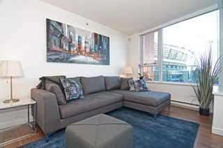 "Photo 4: 801 33 SMITHE Street in Vancouver: Yaletown Condo for sale in ""COOPERS LOOKOUT"" (Vancouver West)  : MLS®# R2448170"