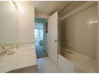 "Photo 9: 810 15111 RUSSELL Avenue: White Rock Condo for sale in ""Pacific Terrace"" (South Surrey White Rock)  : MLS®# F1424896"