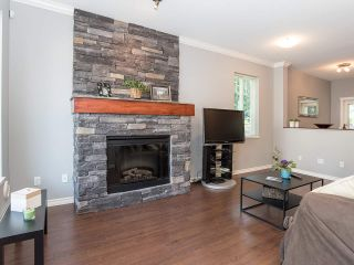 """Photo 2: 48 5839 PANORAMA Drive in Surrey: Sullivan Station Townhouse for sale in """"FOREST GATE"""" : MLS®# R2373372"""