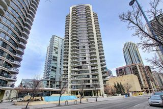 Photo 1: 1801 1078 6 Avenue SW in Calgary: Downtown West End Apartment for sale : MLS®# A1066413