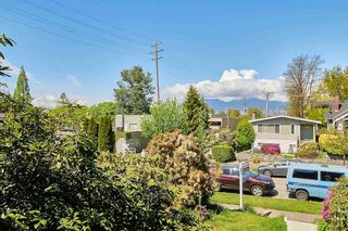Photo 2: 2070 W 14TH Avenue in Vancouver: Kitsilano House for sale (Vancouver West)  : MLS®# R2618150