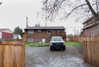 Photo 1: 15084 88 Avenue in Surrey: Bear Creek Green Timbers House for sale : MLS®# R2559461