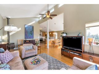 """Photo 4: 866 STEVENS Street: White Rock House for sale in """"west view"""" (South Surrey White Rock)  : MLS®# R2505074"""