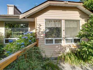 Photo 2: 5724 TRAIL Avenue in Sechelt: Sechelt District House for sale (Sunshine Coast)  : MLS®# R2480261