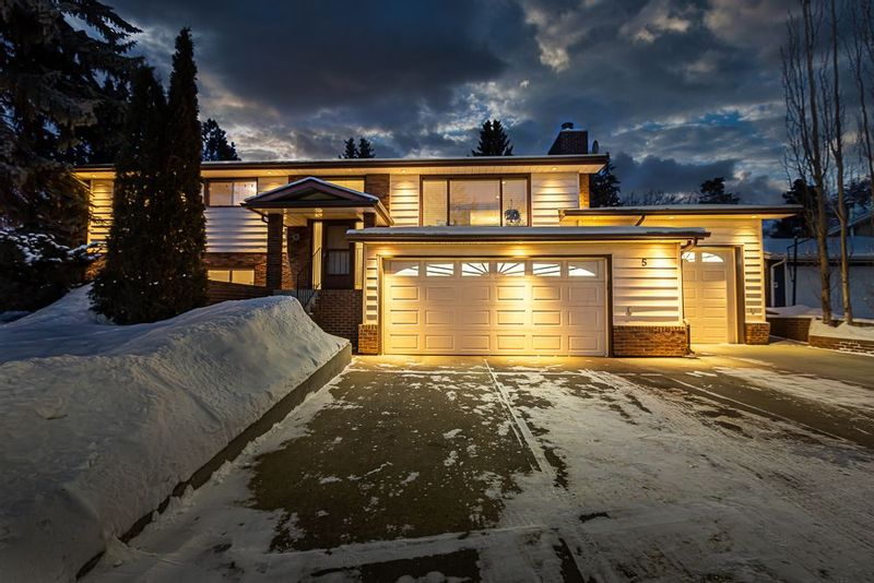 FEATURED LISTING: 5 SCARBORO Place St. Albert